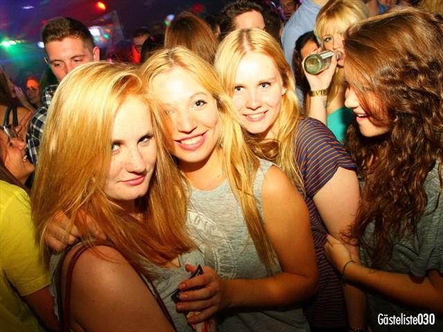 https://www.gaesteliste030.de/Partyfoto #165 Q-Dorf Berlin vom 03.10.2012