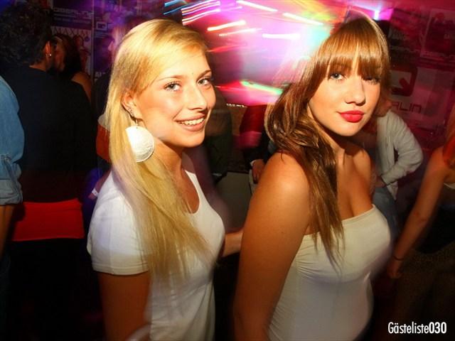 https://www.gaesteliste030.de/Partyfoto #15 Q-Dorf Berlin vom 03.10.2012