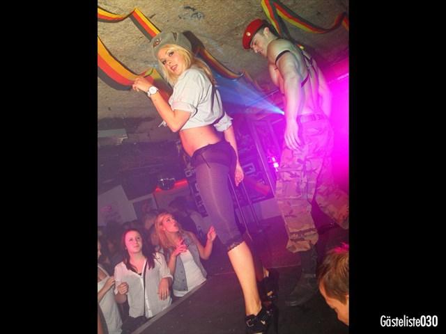https://www.gaesteliste030.de/Partyfoto #186 Q-Dorf Berlin vom 03.10.2012