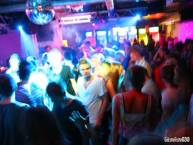 https://www.gaesteliste030.de/Partyfoto #139 Q-Dorf Berlin vom 03.10.2012