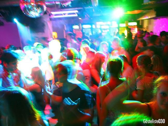 https://www.gaesteliste030.de/Partyfoto #126 Q-Dorf Berlin vom 03.10.2012