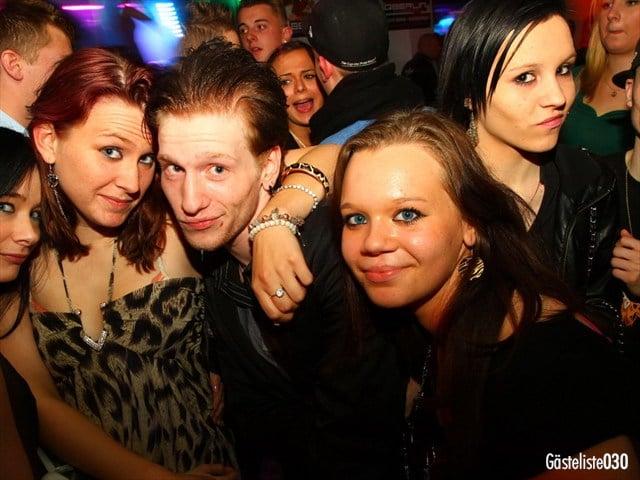 https://www.gaesteliste030.de/Partyfoto #100 Q-Dorf Berlin vom 03.10.2012