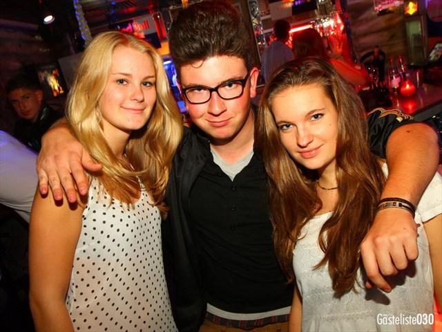 https://www.gaesteliste030.de/Partyfoto #64 Q-Dorf Berlin vom 03.10.2012