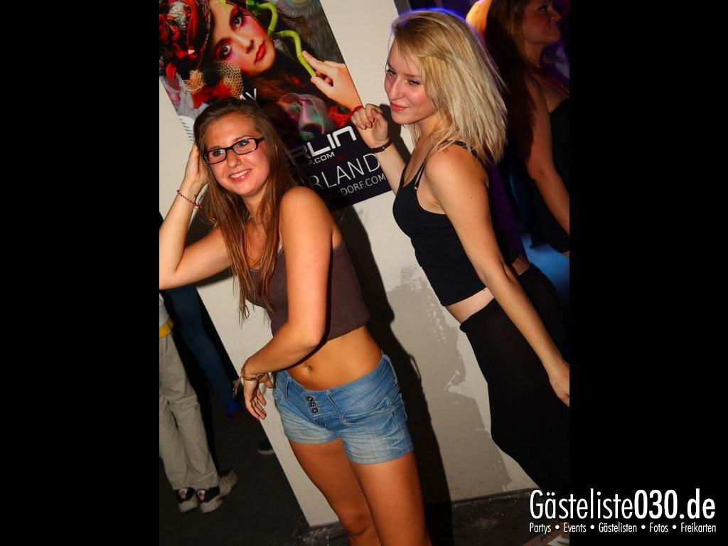 Partyfoto #49 Q-Dorf 11.10.2012 World Tour - We Love Tourists