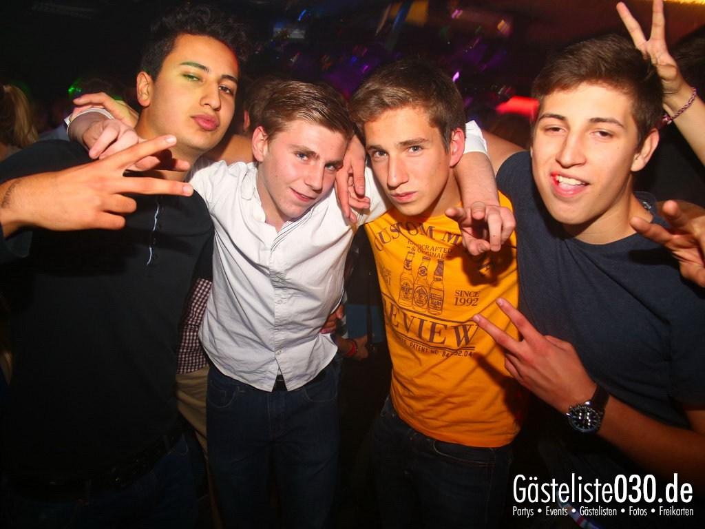 Partyfoto #50 Q-Dorf 11.10.2012 World Tour - We Love Tourists