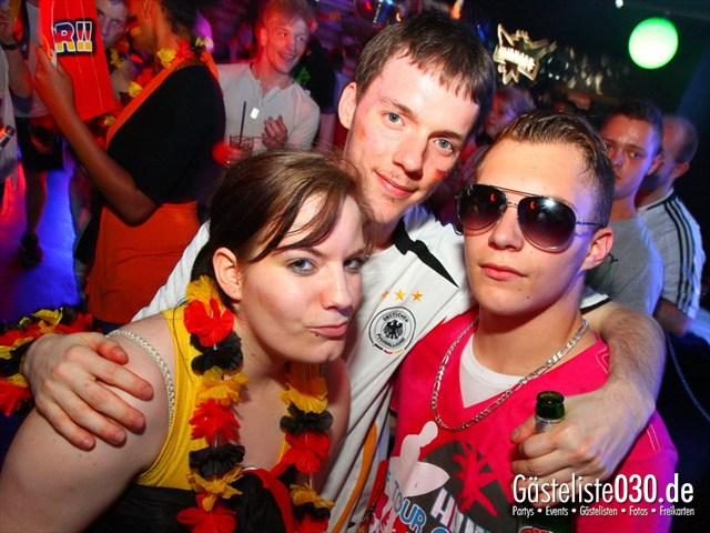 https://www.gaesteliste030.de/Partyfoto #210 Q-Dorf Berlin vom 22.06.2012