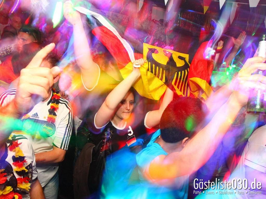 Partyfoto #48 Q-Dorf 22.06.2012 Pink!