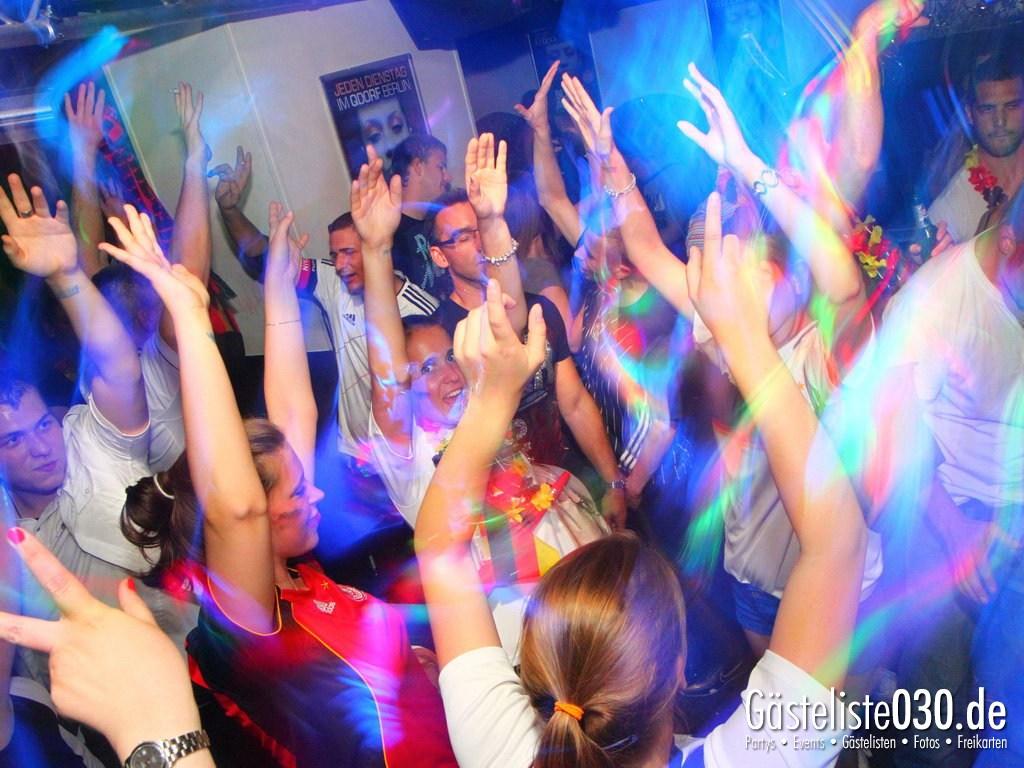 Partyfoto #50 Q-Dorf 22.06.2012 Pink!