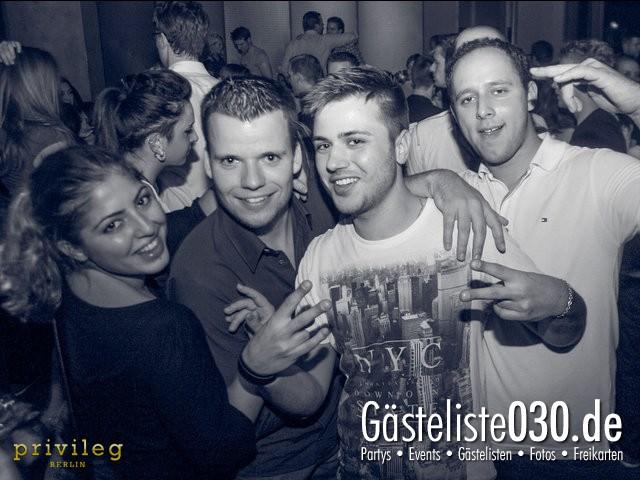 https://www.gaesteliste030.de/Partyfoto #18 Asphalt Berlin vom 19.10.2012