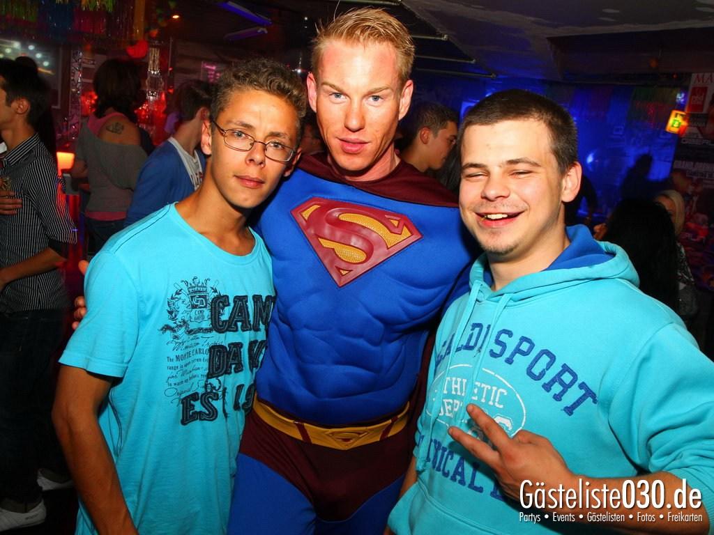 Partyfoto #48 Q-Dorf 21.09.2012 Super Heros