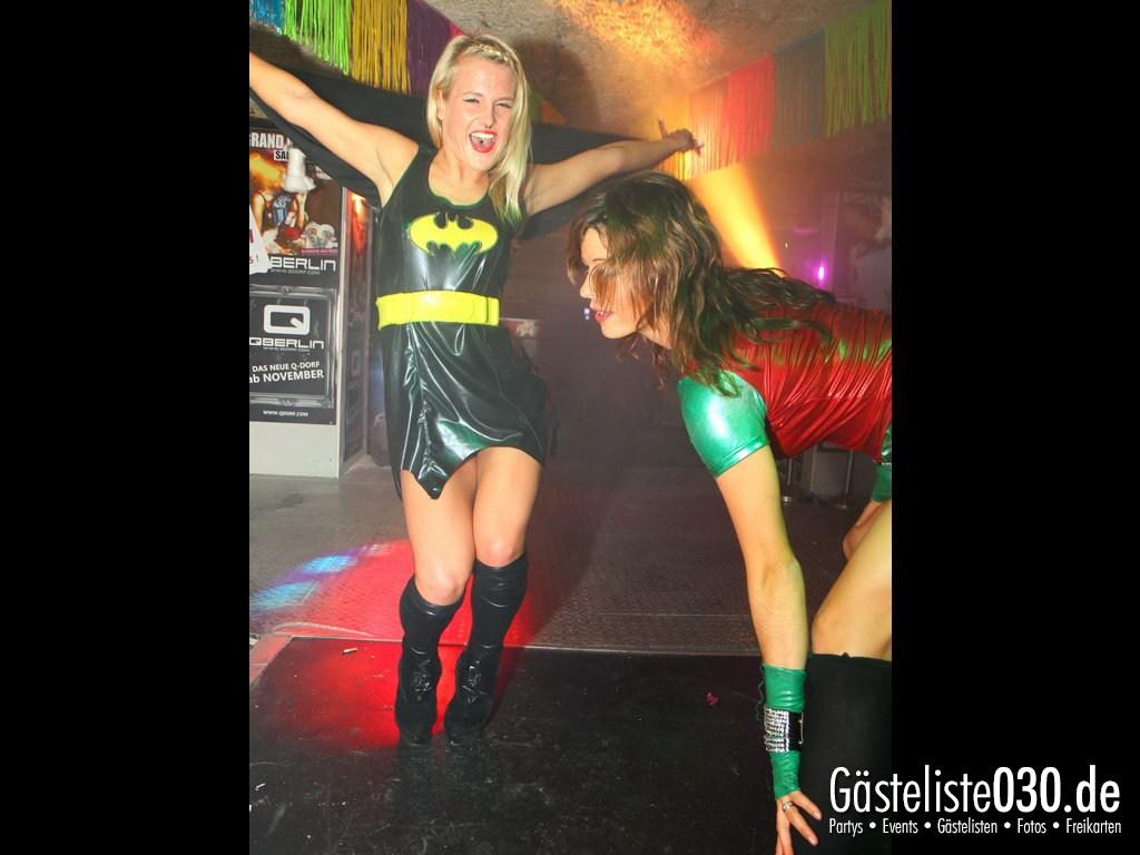 Partyfoto #50 Q-Dorf 21.09.2012 Super Heros