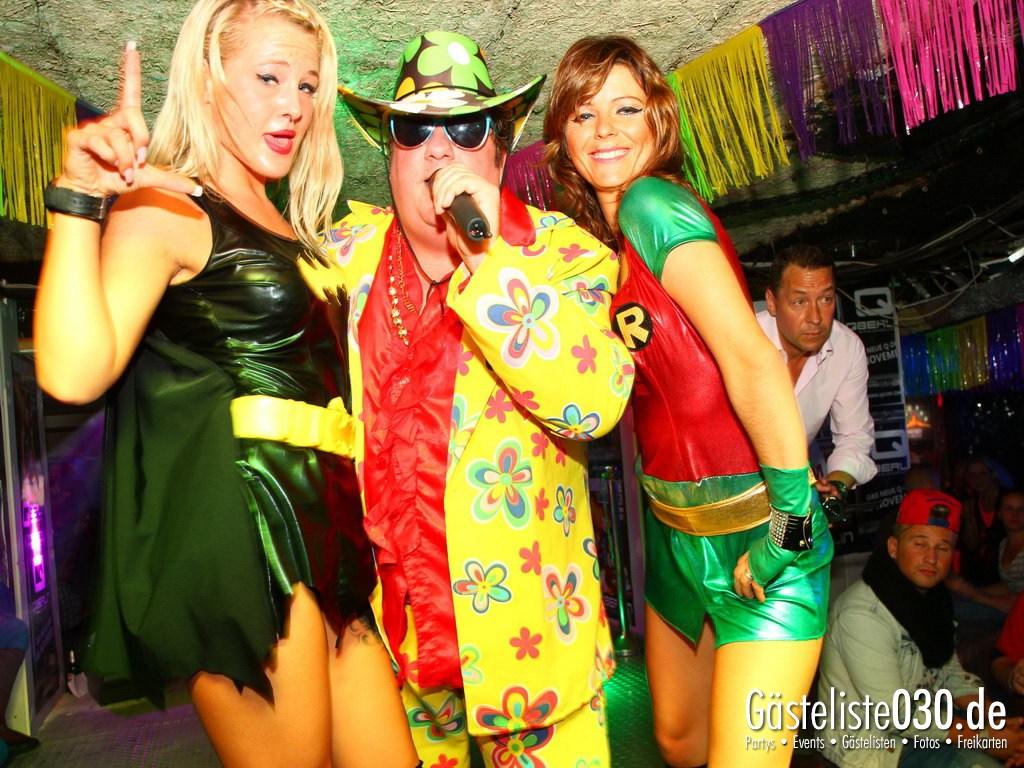 Partyfoto #49 Q-Dorf 21.09.2012 Super Heros