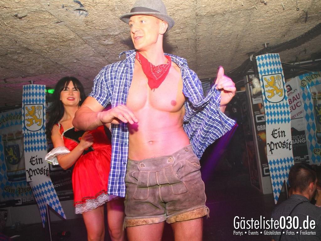 Partyfoto #49 Q-Dorf 29.09.2012 Oktoberfest