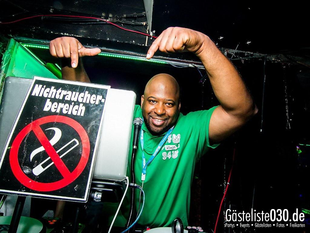 Partyfoto #49 Q-Dorf 11.09.2012 Black Attack