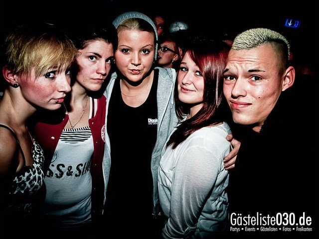 https://www.gaesteliste030.de/Partyfoto #175 Q-Dorf Berlin vom 27.10.2012