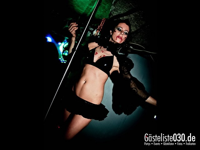 https://www.gaesteliste030.de/Partyfoto #103 Q-Dorf Berlin vom 27.10.2012