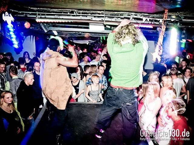https://www.gaesteliste030.de/Partyfoto #142 Q-Dorf Berlin vom 27.10.2012