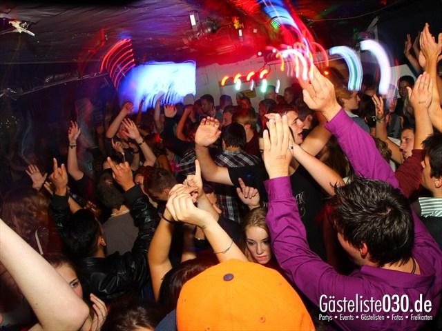 https://www.gaesteliste030.de/Partyfoto #124 Q-Dorf Berlin vom 19.09.2012