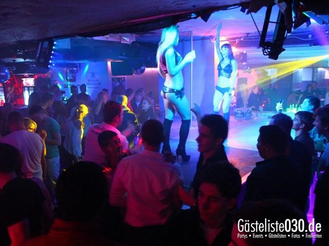 https://www.gaesteliste030.de/Partyfoto #44 Q-Dorf Berlin vom 24.10.2012