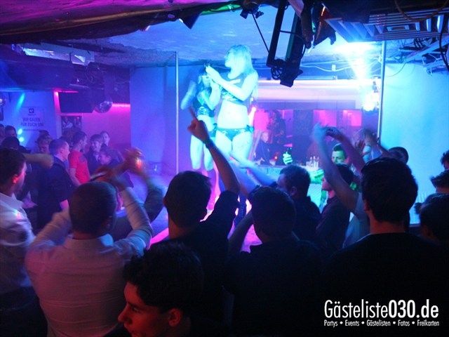https://www.gaesteliste030.de/Partyfoto #115 Q-Dorf Berlin vom 24.10.2012
