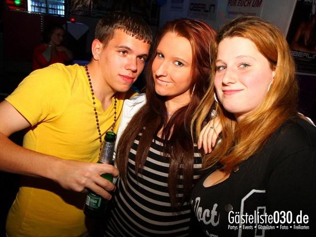 https://www.gaesteliste030.de/Partyfoto #199 Q-Dorf Berlin vom 13.10.2012