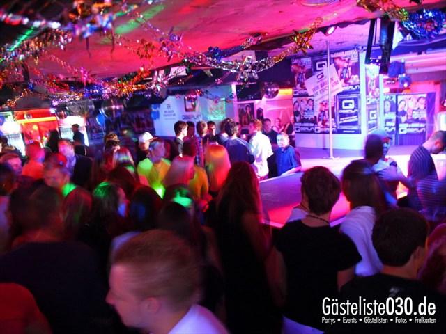https://www.gaesteliste030.de/Partyfoto #182 Q-Dorf Berlin vom 13.10.2012