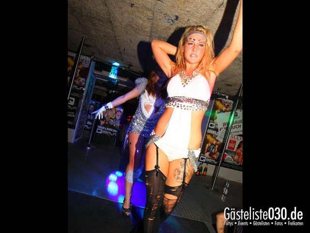 https://www.gaesteliste030.de/Partyfoto #183 Q-Dorf Berlin vom 13.10.2012