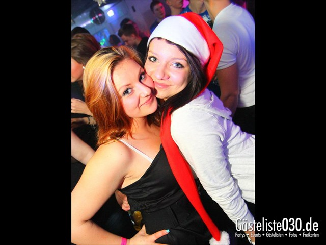 https://www.gaesteliste030.de/Partyfoto #4 Q-Dorf Berlin vom 23.12.2011