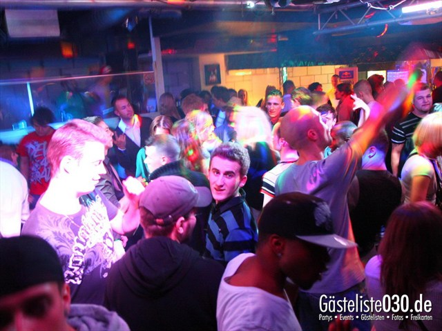 https://www.gaesteliste030.de/Partyfoto #217 Q-Dorf Berlin vom 17.12.2011