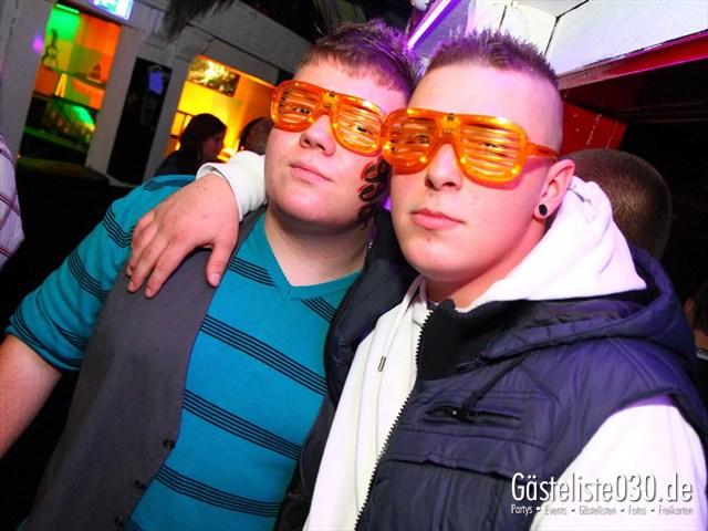 https://www.gaesteliste030.de/Partyfoto #214 Q-Dorf Berlin vom 10.12.2011
