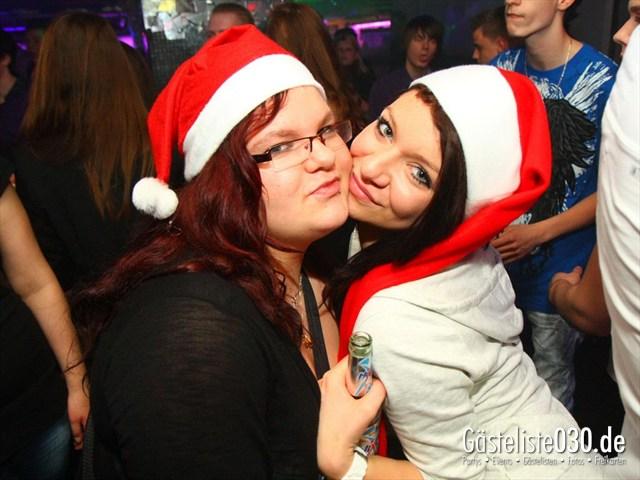 https://www.gaesteliste030.de/Partyfoto #169 Q-Dorf Berlin vom 23.12.2011