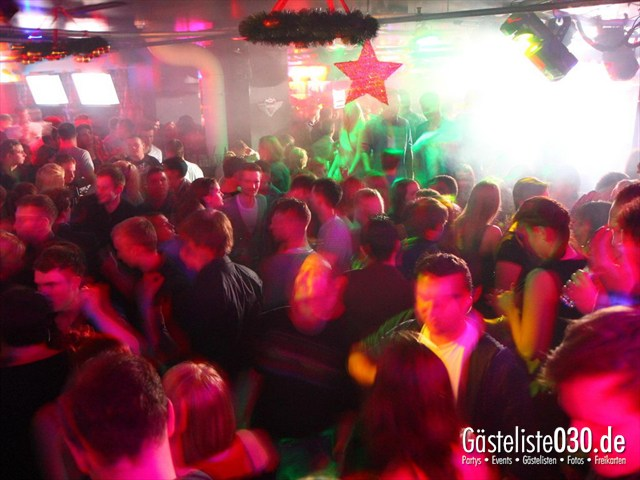 https://www.gaesteliste030.de/Partyfoto #27 Maxxim Berlin vom 29.12.2011