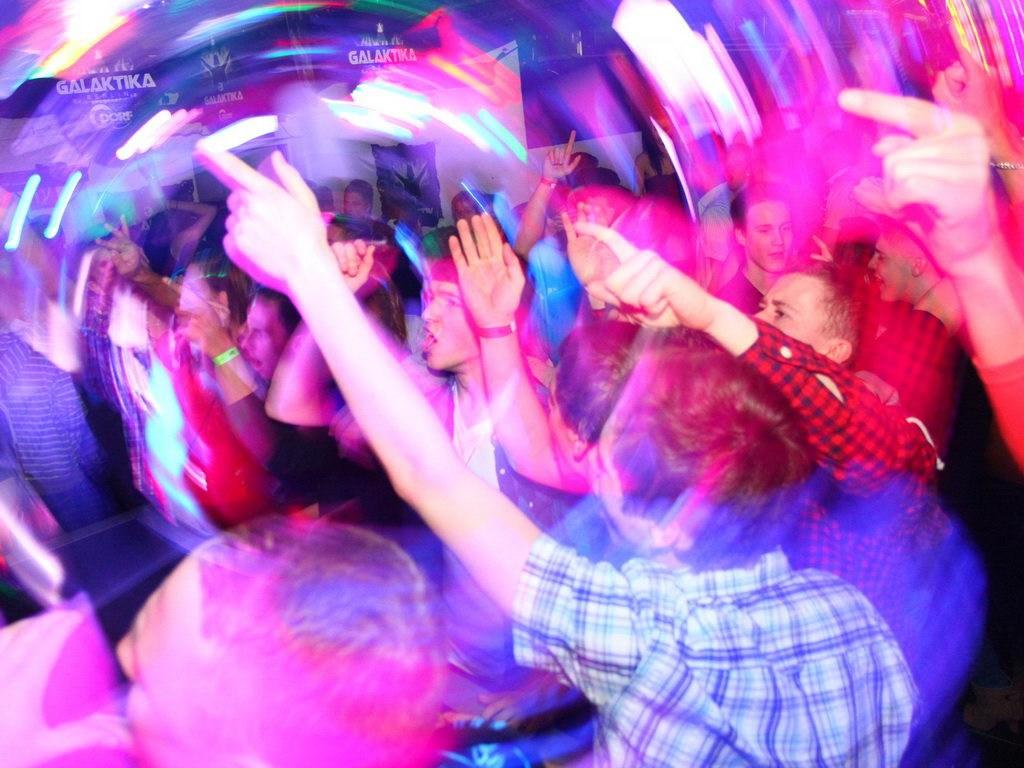 Partyfoto #48 Q-Dorf 07.01.2012 Galaktika