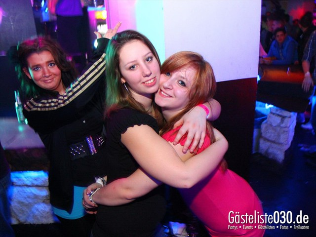 https://www.gaesteliste030.de/Partyfoto #115 Q-Dorf Berlin vom 21.12.2011