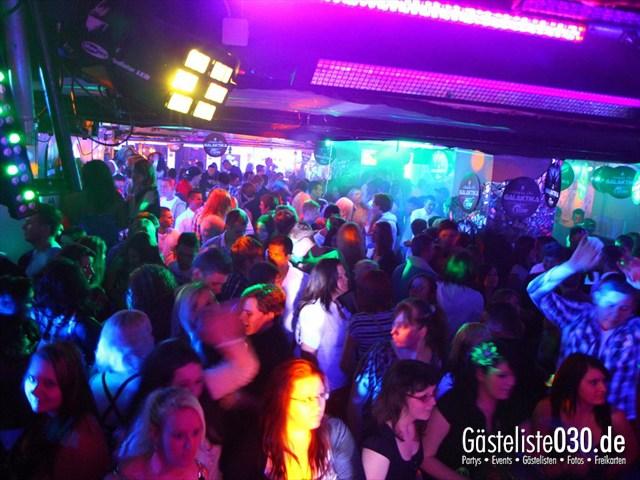 https://www.gaesteliste030.de/Partyfoto #124 Q-Dorf Berlin vom 17.12.2011
