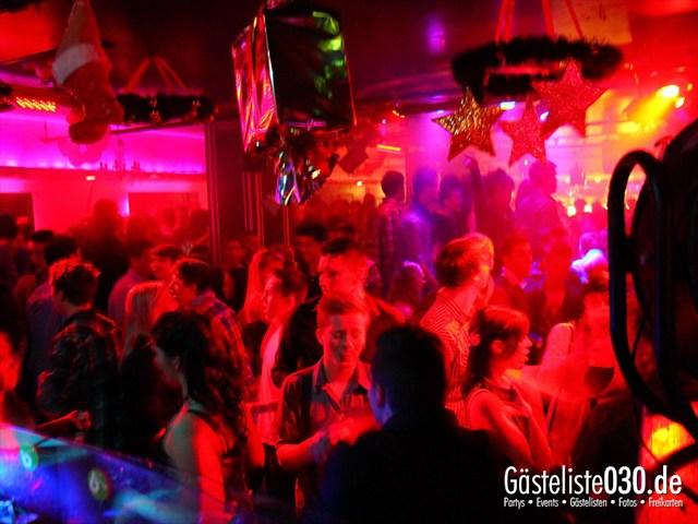 https://www.gaesteliste030.de/Partyfoto #130 Maxxim Berlin vom 29.12.2011