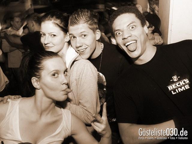 https://www.gaesteliste030.de/Partyfoto #26 Q-Dorf Berlin vom 04.01.2012