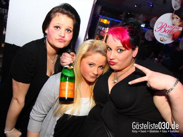 https://www.gaesteliste030.de/Partyfoto #147 Q-Dorf Berlin vom 09.12.2011