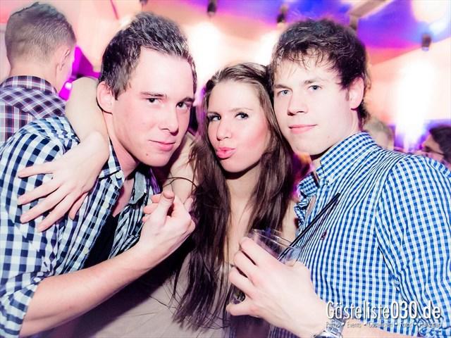 https://www.gaesteliste030.de/Partyfoto #32 Maxxim Berlin vom 10.12.2011