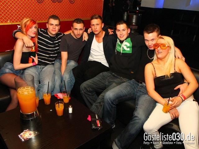 https://www.gaesteliste030.de/Partyfoto #175 Q-Dorf Berlin vom 09.12.2011