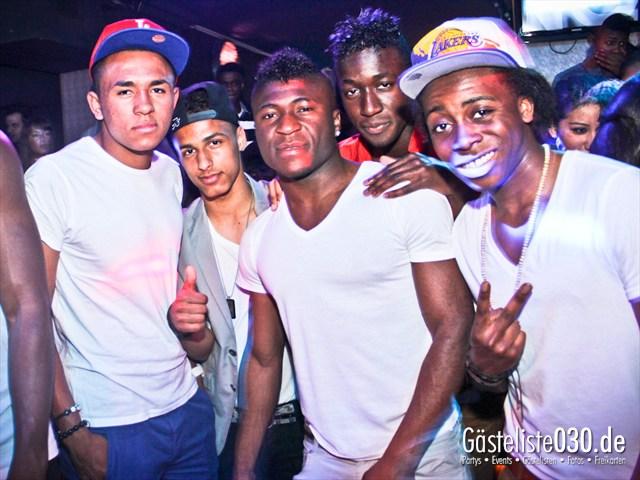 https://www.gaesteliste030.de/Partyfoto #85 Club R8 Berlin vom 21.04.2012