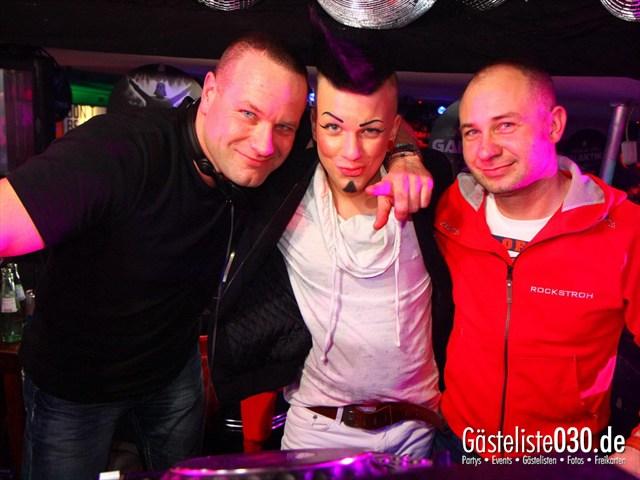 https://www.gaesteliste030.de/Partyfoto #173 Q-Dorf Berlin vom 17.12.2011