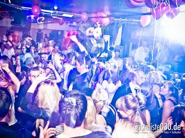 https://www.gaesteliste030.de/Partyfoto #8 Maxxim Berlin vom 10.12.2011