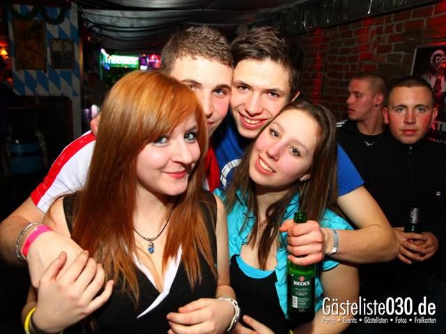 https://www.gaesteliste030.de/Partyfoto #200 Q-Dorf Berlin vom 10.12.2011