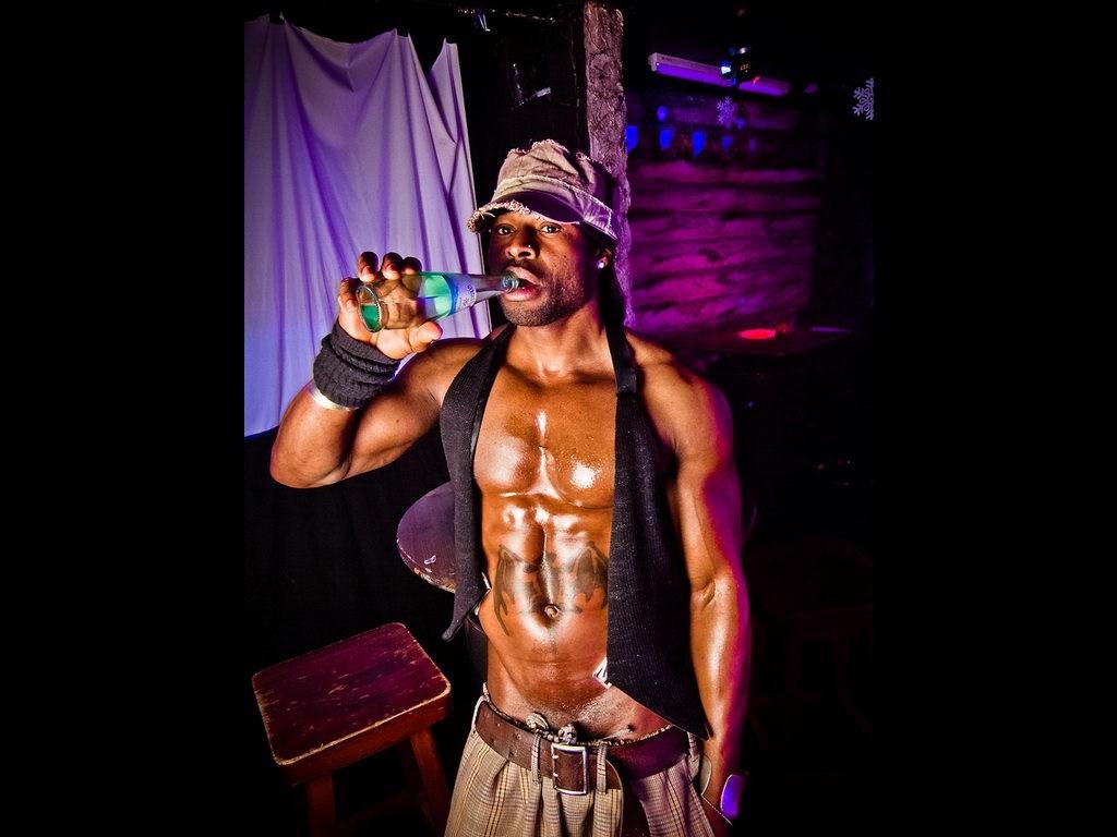 Partyfoto #49 Q-Dorf 07.02.2012 Black Attack