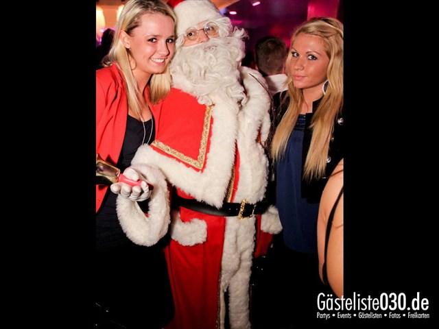 https://www.gaesteliste030.de/Partyfoto #92 Maxxim Berlin vom 24.12.2011
