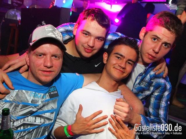 https://www.gaesteliste030.de/Partyfoto #236 Q-Dorf Berlin vom 17.12.2011
