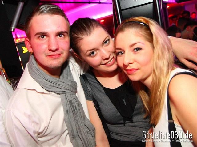 https://www.gaesteliste030.de/Partyfoto #114 Maxxim Berlin vom 22.12.2011