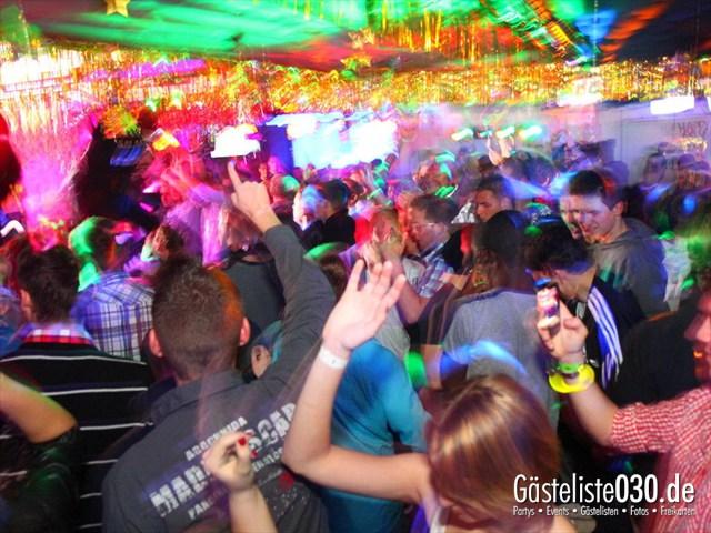 https://www.gaesteliste030.de/Partyfoto #121 Q-Dorf Berlin vom 30.12.2011