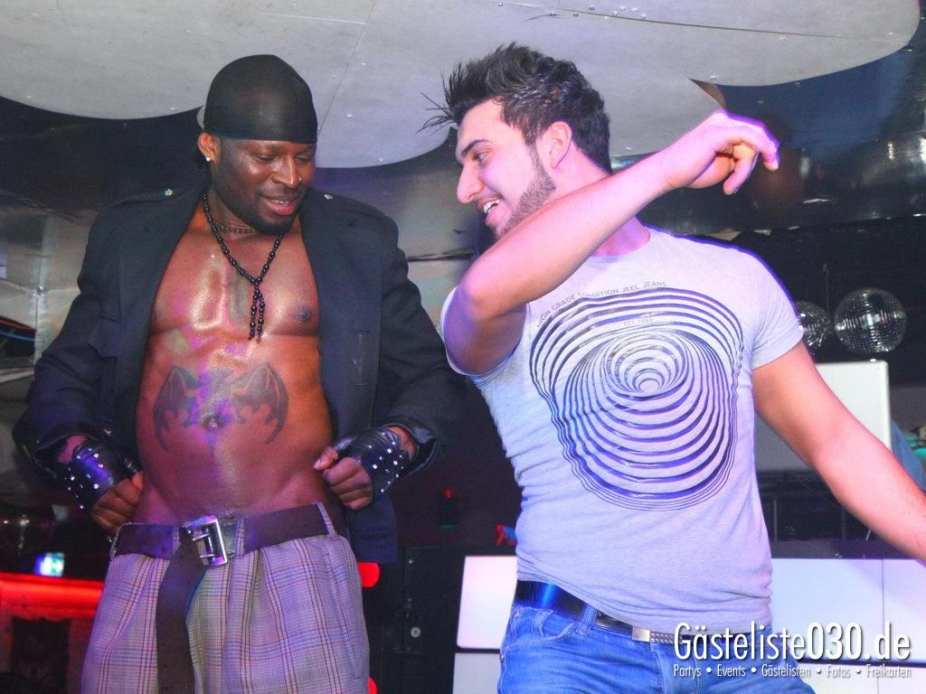 Partyfoto #50 Q-Dorf 08.05.2012 Black Attack
